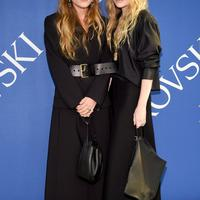 Mary-Kate and Ashley Olsen at 2018 CFDA Awards - Photo: popsugar