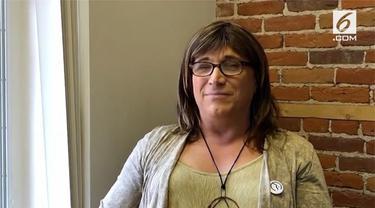 Christine Hallquist, terpilih menjadi calon gubernur Partai Demokrat. Ia akan bertarung dalam pemilihan Gubernur Vermont, Amerika Serikat.