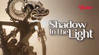 Film dokumenter Shadow In The Light yang mengangkat seni pertunjukan wayang kulit dapat disaksikan melalui platform streaming Vidio. (Dok. Vidio)