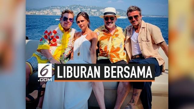 Tak hanya menghabiskan waktu bersama anak-anaknya, David Beckham dan Victoria Beckham rupanya juga ditemani oleh Elton John dan sahabat dekatnya yang lain.