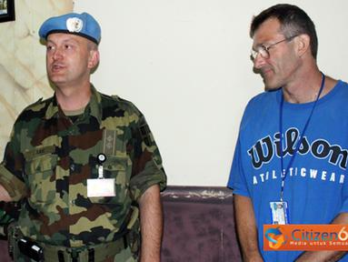 Citizen6, Lebanon: Rombongan tamu dijamu makan malam bersama di Dining Room Markas Batalyon dengan didampingi oleh Komandan Indobatt, Wadan dan para perwira staf. (Pengirim: Badarudin Bakri)