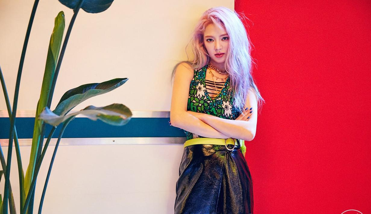 Di sebuah grup idol, biasanya para personel mempunyai keahlinya masing-masing. Mulai dari vocal, rapper, hingga dancer. Berikut beberapa idol k-pop yang cantik dan jago menari. (Foto: soompi.com)