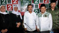 Tampak hadir juru bicara Capres-Cawapres Jokowi-JK,  Khofifah Indar Parawansa, cawapres Jusuf Kalla bersama Ketua Umum PKB Muhaimin Iskandar didampingi Sekjen PKB Imam Nahrawi, Selasa (20/5/14). (Liputan6.com/Johan Tallo)