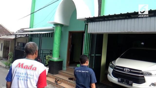 Rumah ketua MUI kota Madiun diserang pria yang diduga memiliki gangguan kejiwaan.