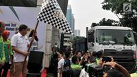 Menteri ESDM Ignasius Jonan secara simbolis melepas keberangkatan uji jalan Penggunaan Bahan Bakar B30 untuk kendaraan bermesin diesel di Kementerian ESDM, Jakarta, Kamis (13/6/2019). (merdeka.com/Iqbal S. Nugroho)