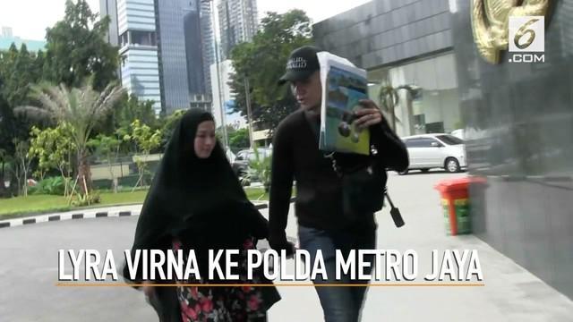 Lyra Virna memenuhi panggilan Polda Metro Jaya setelah ditetapkan sebagai tersangka kasus dugaan pencemaran nama baik