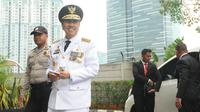 Gubernur Riau, Syamsuar menyambangi gedung KPK, Jakarta, Rabu (20/1). KPK menerima kunjungan kepala daerah yang baru dilantik untuk beraudiensi mengenai upaya pencegahan korupsi melalui program koordinasi dan supervisi. (Merdeka.com/Dwi Narwoko)