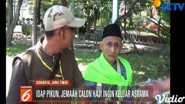 Panitia pun harus membujuk pria 80 tahun ini untuk kembali masuk ke asrama.