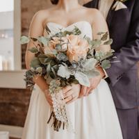 Atur segera pernikahan yang tertunda akibat virus corona. (Foto: Unsplash)