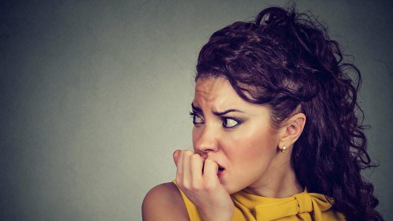 Jangan sampai terkena penyakit berbahaya ini karena kamu sering merasa cemas. (Sumber Foto: Shutterstock/TheList)