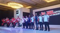 Alex dan Marc Marquez dalam peluncuran Repsol Honda di Jakarta, Selasa (4/2/2020). (Bola.com/Zulfirdaus Harahap)