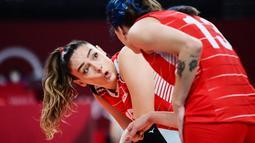 Tim voli Turki yang diperkuat beberapa nama beken seperti Meryem Boz dan si cantik Zehra Gunes sebenarnya tampil apik di laga tersebut. (Foto: AFP/Pedro Pardo)