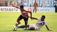 Duel Madura United vs PSIS di Stadion Gelora Bangkalan, Bangkalan, Senin (26/11/2018). (Bola.com/Aditya Wany)