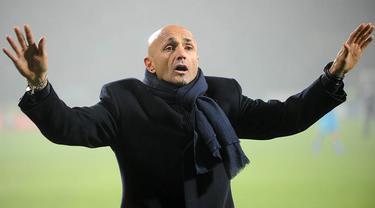 Klub ibukota Italia, AS Roma, resmi menunjuk Luciano Spalletti sebagai pelatih baru menggantikan Rudi Garcia yang dipecat pada Rabu (13/1) setelah dinilai gagal mengangkat performa timnya. (AFP/Kirill Kudryavtsev)