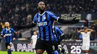 Kembali nya ketajaman Lukaku turut mendongkrak performa Inter Milan. Pasukan Antonio Conte itu kini sangat difavoritkan mengakhiri dominasi Juventus yang sudah juara Liga Italia delapan musim beruntun. (AFP/Miguel Medina)
