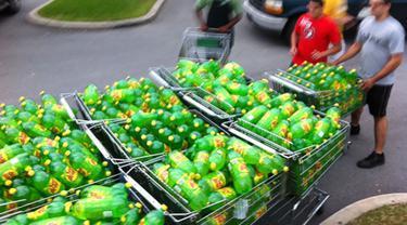 7 Potret Aksi Orang Borong Saat Belanja Ini Bikin Bertanya-tanya
