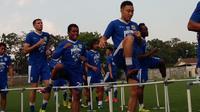 Persib Bandung tanpa Michael Essien dan Tony Sucipto saat meladeni Borneo FC. (Bola.com/Erwin Snaz)