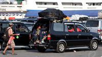 Mario Sardadi Oetomo selaku Humas PT ASDP Indonesia Ferry Cabang Merak mengungkapkan, sudah menyiapkan skenario untuk menghindari penumpukan kendaraan di dalam kantung parkir, Banten, Kamis, (25/7/14), (Liputan6.com/ Johan Tallo)