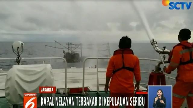 Usai pemadaman, Tim Basarnas mengevakuasi tiga korban meninggal dunia. Total ada 17 nelayan di dalam kapal, 14 lainnya selamat.