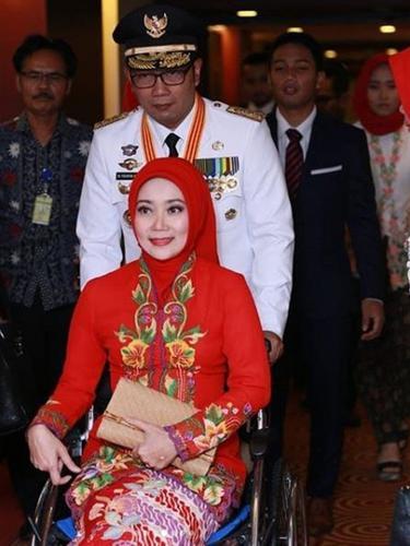[Bintang] Atalia Praratya dan Ridwan Kamil