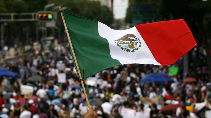 Bendera Meksiko (AP/Marco Ugarte)