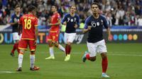 Penyerang Prancis, Wissam Ben Yedder berselebrasi usai mencetak gol ke gawang Andorra pada pertandingan grup H Kualifikasi Euro 2020 di Stade de France di Saint Denis, Paris (10/9/2019). Prancis menang telak 3-0 atas Andorra. (AFP Photo/Thomas Samson)