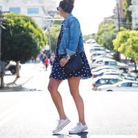 Style kasual dengan dress. (via: collage vintage)