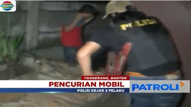 Dari tangannya, polisi berhasil mengamankan satu unit mobil hasil curian. Kini satu orang pelaku masih diburu.