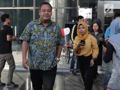 Anggota Komisi VI DPR RI, Mohamad Hekal keluar dari gedung KPK usai pemeriksaan, Jakarta, Rabu (19/6/2019). M Hekal diperiksa sebagai saksi kasus suap kerja sama di bidang pelayaran PT Humpuss Transportasi Kimia (HTK) dengan PT Pupuk Indonesia Logistik (PILOG). (Liputan6.com/Helmi Fithriansyah)
