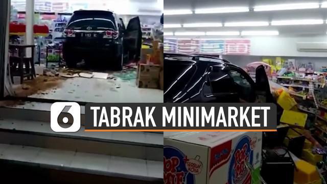 Beredar video mobil fortuner tabrak minimarket. Ternyata ini dia penyebabnya.