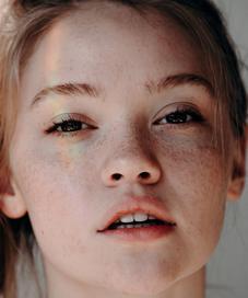 Atasi pori-pori wajah besar dengan masker alami yang bisa dibuat dari bahan dapur. (Foto: unsplash.com)