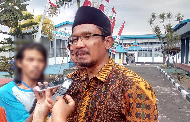 Wabup Helmi Budiman mengatakan, Pemkab Garut, Jawa Barat, segera mengkaji penemuan situs megalitikum di Desa Margalaksana, Kecamatan Bungbulang. (Liputan6.com/Jayadi Supriadin)