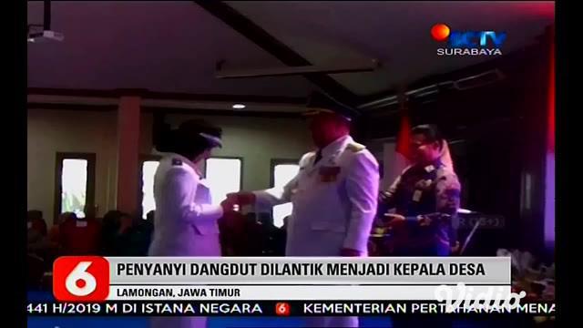 Angely Emitasari seorang penyanyi dangdut resmi dilantik menjadi kepala desa Kedungkumpul di Lamongan, Jawa Timur kesuksesan Angely menjadi pembicaraan warga netizen.