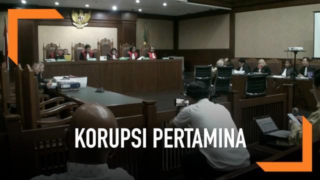 Sidang mantan direktur utama Pertamina Karen Agustiawan dalam kasus dugaan korupsi investasi di blok BMG digelar di pengadilan tipikor Jakarta hari Kamis (16/5). Menurut saksi ahli dalam persidangan, kasus ini tidak bisa dipidanakan karena murni resi...
