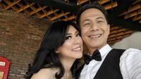 Delon, dan sang istri, Aida Chandra (Foto: Instagram/@delonthamrinofficial)