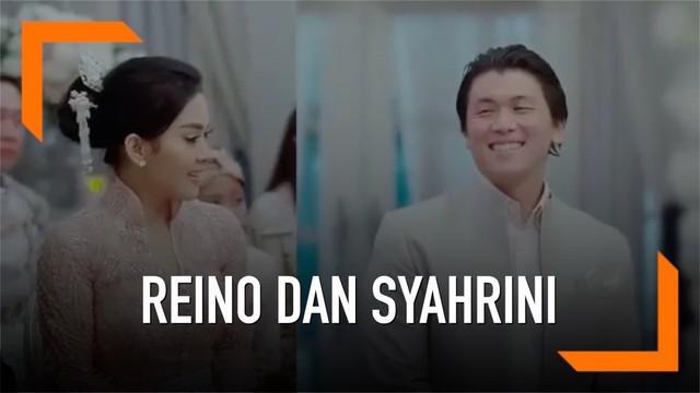 Media sosial dihebohkan dengan beredarnya momen romantis nan mesra Reino Barrack dan Syahrini saat lamaran.