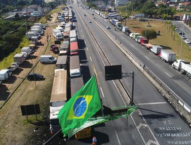 Protes Kenaikan BBM, Ribuan Sopir Truk di Brasil Mogok Kerja