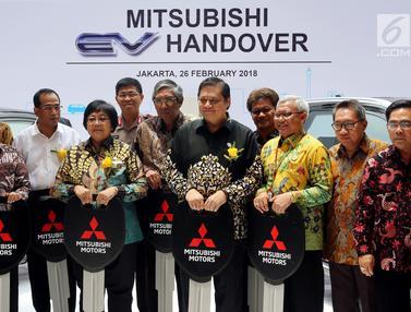 Tiga Menteri Hadiri Hibah 10 Mobil Listrik Ramah Lingkungan