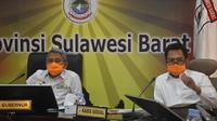 Gubernur Sulbar Ali Baal Masdar bersama Kapala Dinas Sosial Sulbar Bau Akram Dai