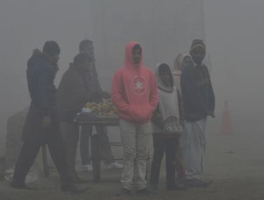 Penampakan Kabut Asap Tebal Selimuti Pakistan