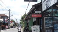 Ratusan Money Changer di Yogyakarta Terancam Ditutup (Liputan6.com/Swirzy Sabandar).