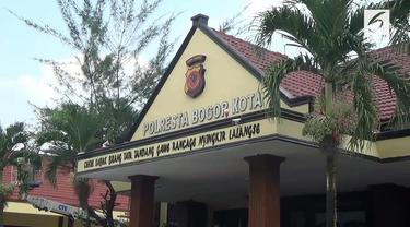 Usai nobar Piala Dunia, seorang pelajar di Bogor terlibat kericuhan di jalan hingga menyebabkan dirinya tewas akibat dibacok.