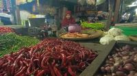 Pedagang bumbu dapur dan kebutuhan pokok di Pasar Induk Rau (PIR) Kota Serang, Banten. (Yandhi/Liputan6.com)