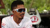 Muhammad Fadli Immamudin, Pebalap Paracycling Indonesia. (Bola.com/Nicklas Hanoatubun)