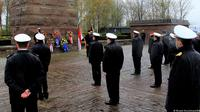 Angkatan Laut Jerman Gelar Upacara Penghormatan Awak KRI Nanggala-402. (FOTO: Miranti Hirschmann/DW)