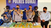 Polres Dumai dalam konperensi pers pengungkapan narkoba yang dikendalikan narapidana. (Liputan6.com/M Syukur)