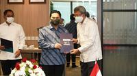 Menteri BUMN Erick Thohir resmi melantik 2 Pejabat Pimpinan Tinggi Madya (setingkat Eselon I) dan Pratama (setingkat Eselon II) sekaligus menyerahkan SK Staf Khusus I Menteri BUMN, Rabu (26/1/2021).