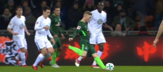 Berita video Michy Batshuayi masuk dalam daftar pencetak gol terbaik pekan ke-22 Bundesliga 2017-2018. This video presented by BallBall.