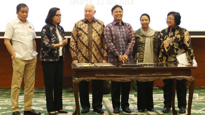 AFSI adalah sebuah komunitas fundamental saham di Indonesia pertama yang menyediakan secara lengkap Kamus Saham dari A-Z. Selain itu, AFSI juga memiliki 3 website lain yang membahas lebih dalam tentang fundamental bisnis perusahaan, dividen hunter dan psikologi investor.