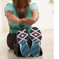 Beragam olahraga pun dapat kamu lakukan, seperti jogging, bersepeda, renang, yoga, hingga gerakan fitness yang dapat membuat tubuh ideal.